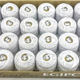 Caja 24 ovillos blanco punto azul de algodón 100% egipcio